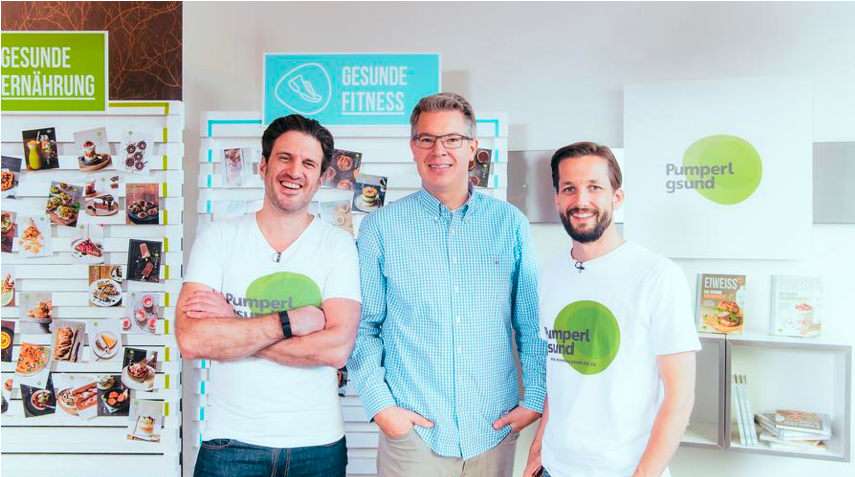 The founders of Pumperlgsund with investor legend Frank Thelen